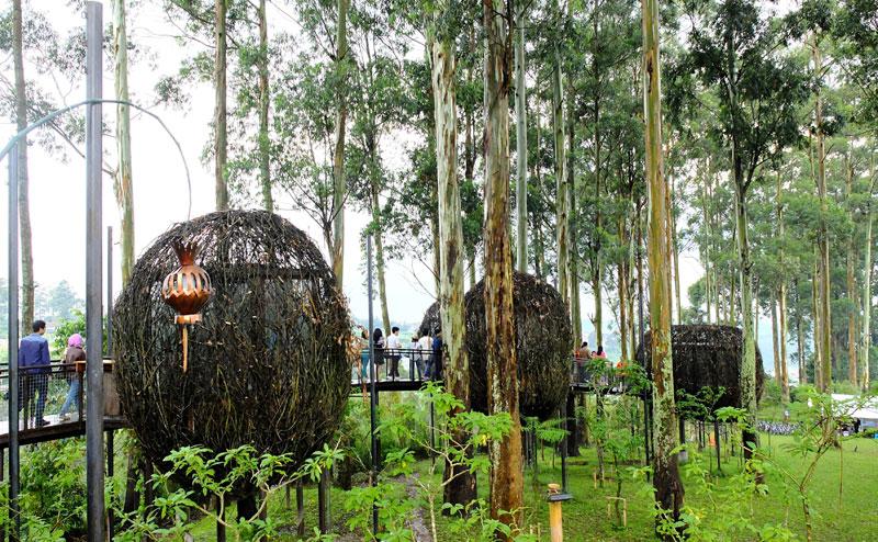Dusun Bambu Bandung - Menyatu Dengan Alam Sambil Berwisata