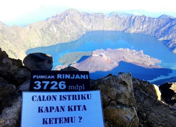 Hey Ladies, Apa Kalian Bisa Maklum Setelah Menikah Dengan Pendaki Gunung?