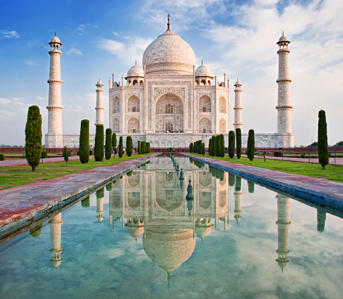 Jika Kalian Peduli dengan Situs Bersejarah di Dunia, 10 Peraturan di Taj Mahal Ini Wajib Kalian Patuhi