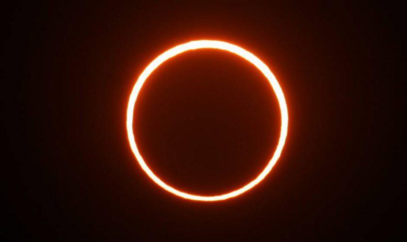 fenomena-gerhana-matahari-ini-memang-unik-dan-menarik-bagi-traveler
