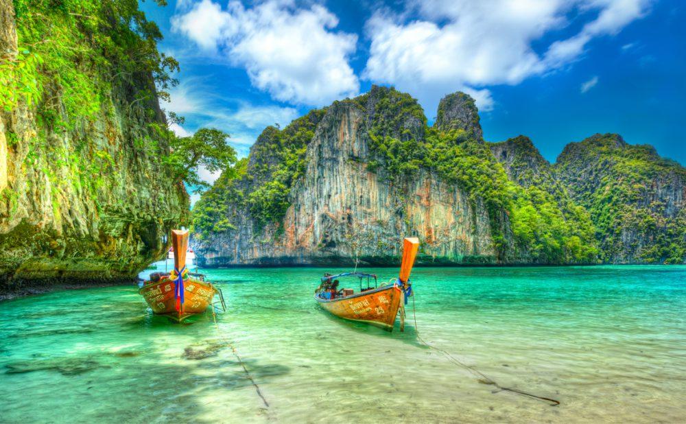 Phi-Phi Island Versi Indonesia Terletak di Kepulauan Sombori