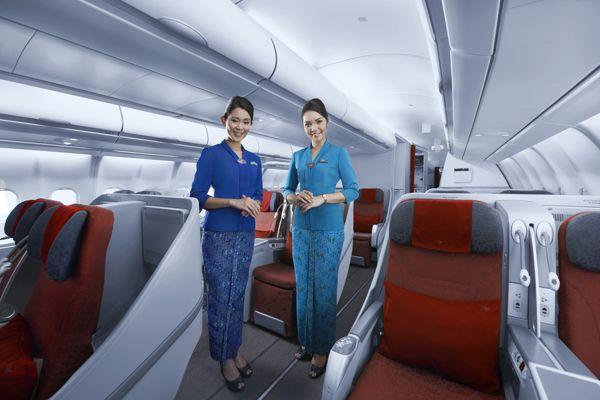 "Garuda Indonesia Raih ""World Best Cabin Crew"" Ketiga Kalinya"