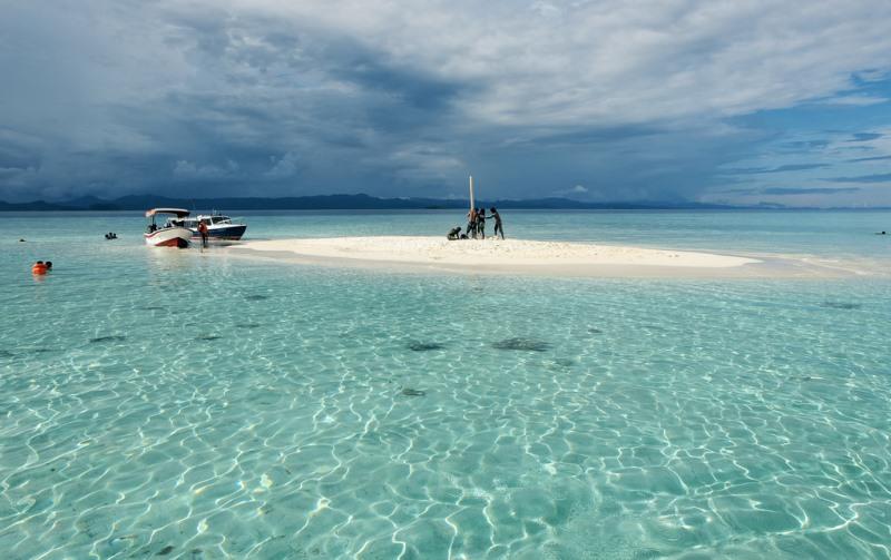 10 Pantai Indah di Belitung yang Wajib Dikunjungi