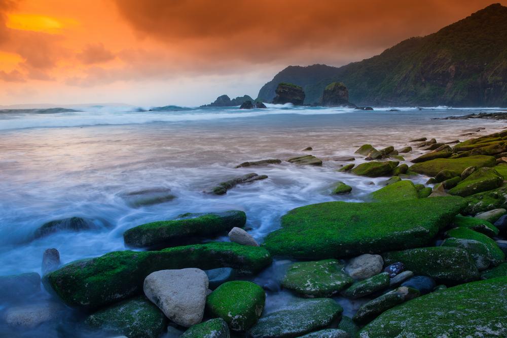 Pantai Seksi di Jember dan Banyuwangi yang Wajib Kalian Kunjungi