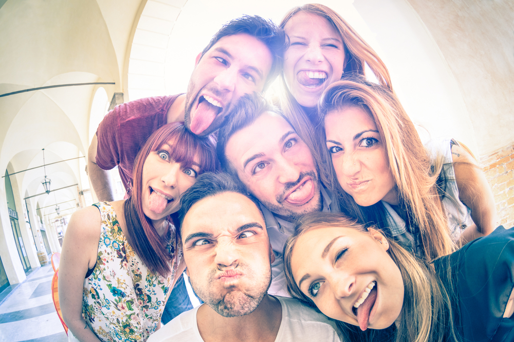 Aktifitas Nyleneh Seperti Underboob Selfie ketika Traveling Mulai Dilarang