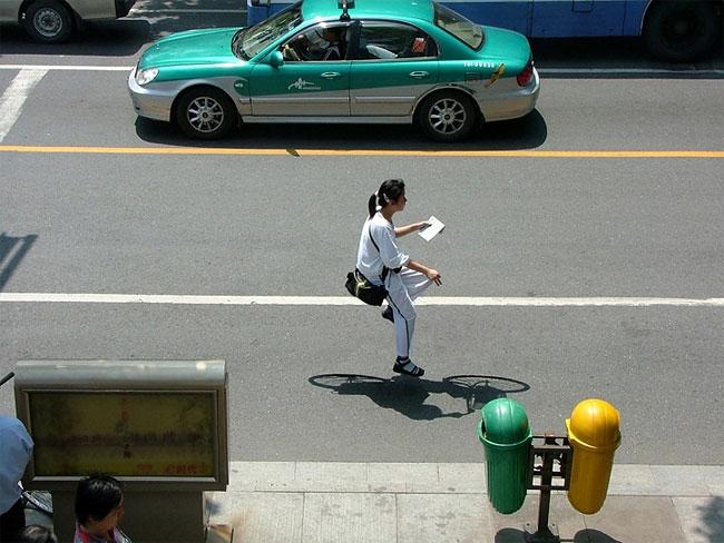 Kreasi Seniman Asal China Dengan Karyanya Sepeda Melayang