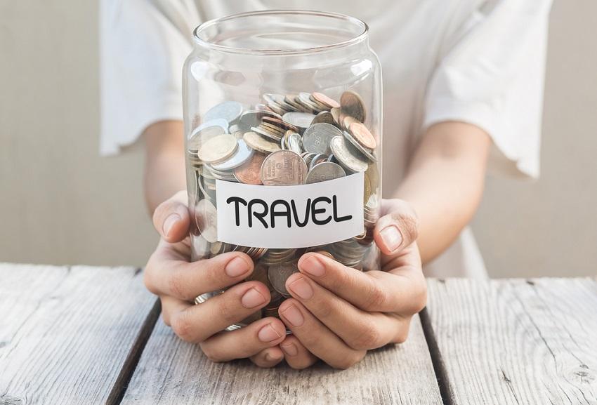 Image result for hemat uang saat liburan