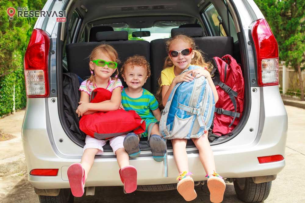 Tips Mudik dengan Anak Kecil Menggunakan Mobil Pribadi
