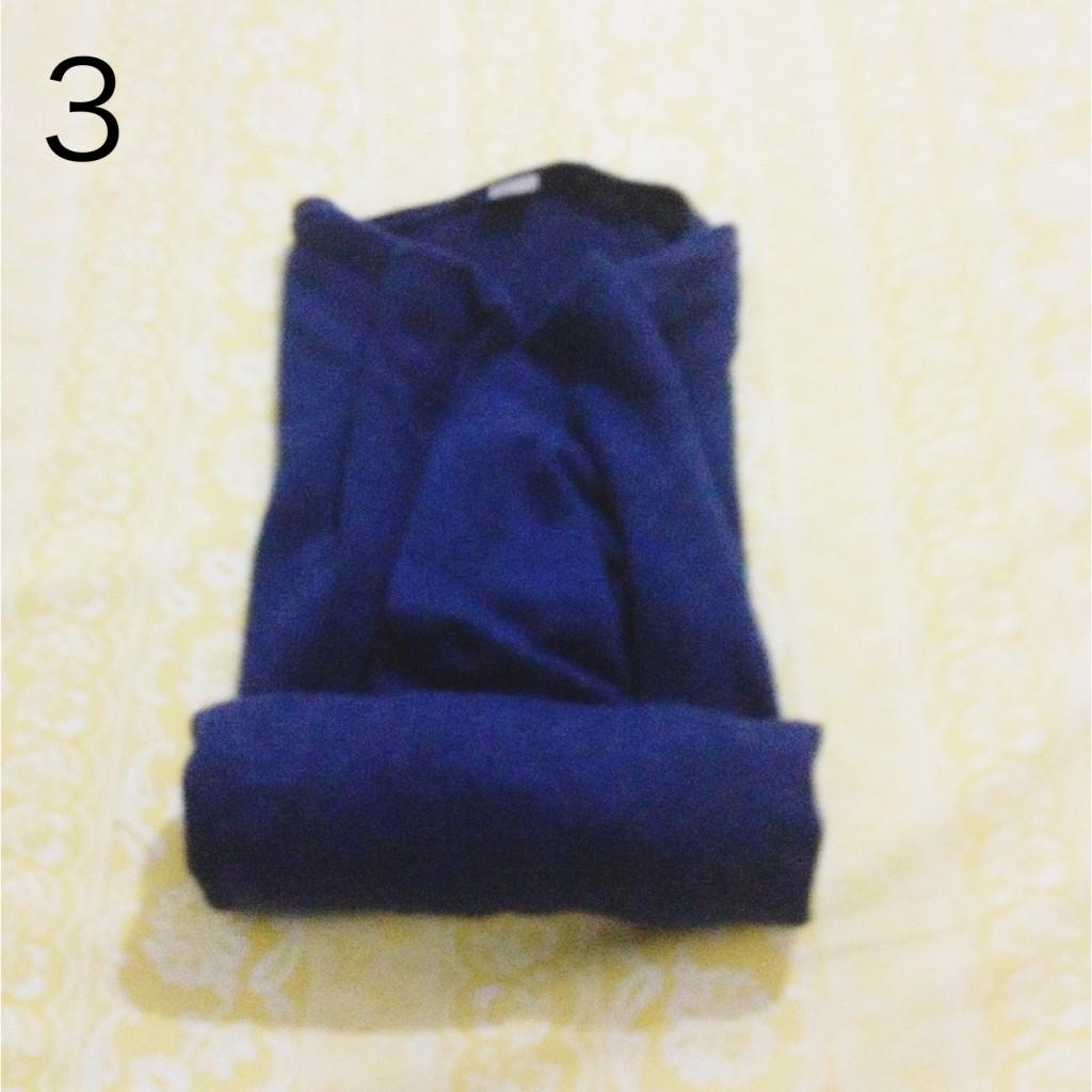 3-gulung-baju-dengan-rapi-dan-hati-hati-agar-tidak-berkerut