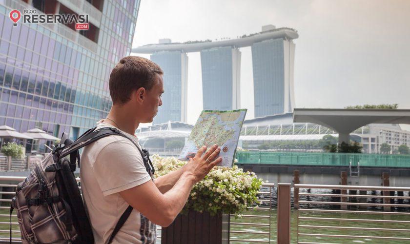 backpacker-to-singapura-1