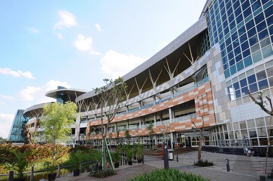 5 Mall di Tangerang Selatan yang Dijadikan Tempat Berakhir Pekan