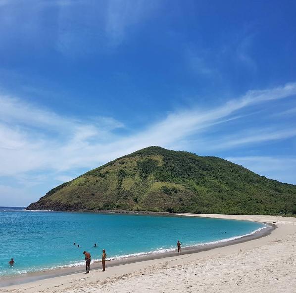 Pantai Mawun di Lombok