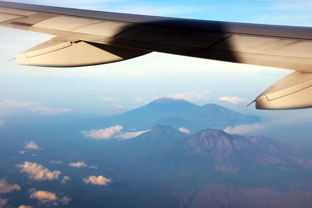 Dampak Erupsi Gunung Raung Terhadap Beberapa Penerbangan