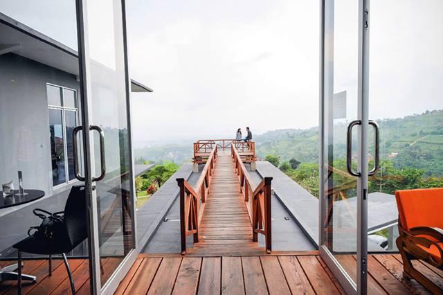 Lawangwangi Creative Space – Kafe Sekaligus Galeri Seni Dan Art Space Di Bandung