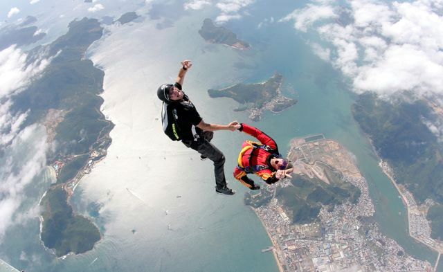 skydiving123-wikimedia-org