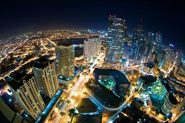 Suasana kota malam hari (Makati Skyline)