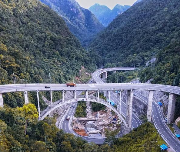 jembatan-kelok-9