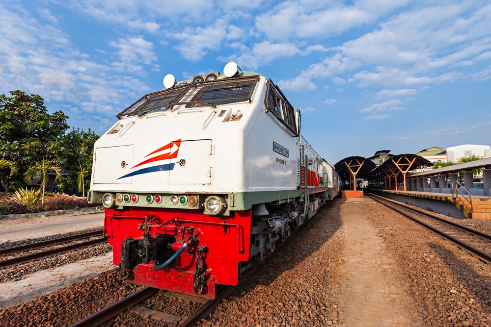 5 Alasan Kenapa Traveling Naik Kereta Api Itu Asik!
