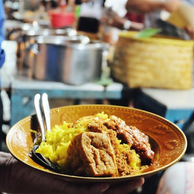 nasi kuning pasir koja IG @dunia_kulinerbdg