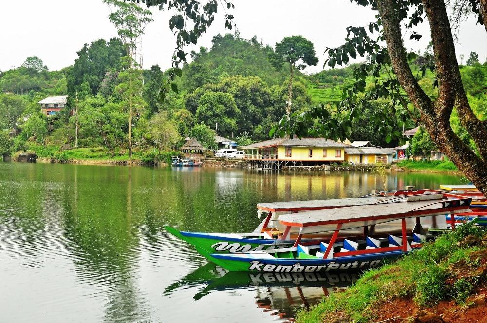 Situ Patenggang, Tempat Wisata di Bandung yang Romantis