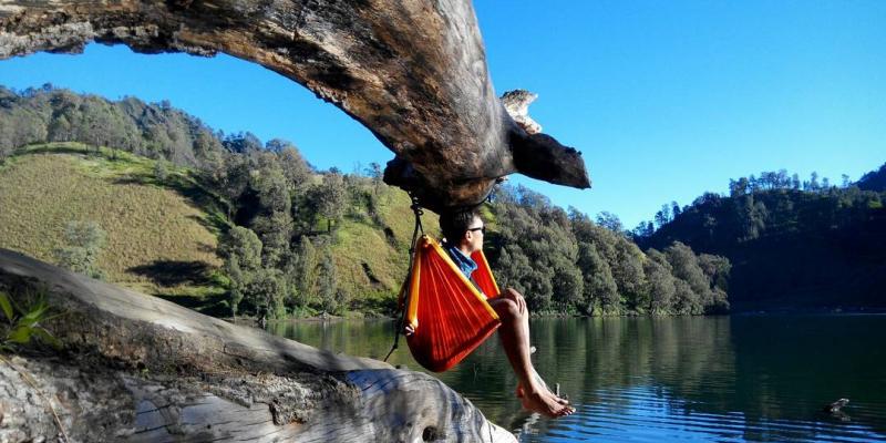 Pemandangan Keren Dari Para Hammockers Indonesia