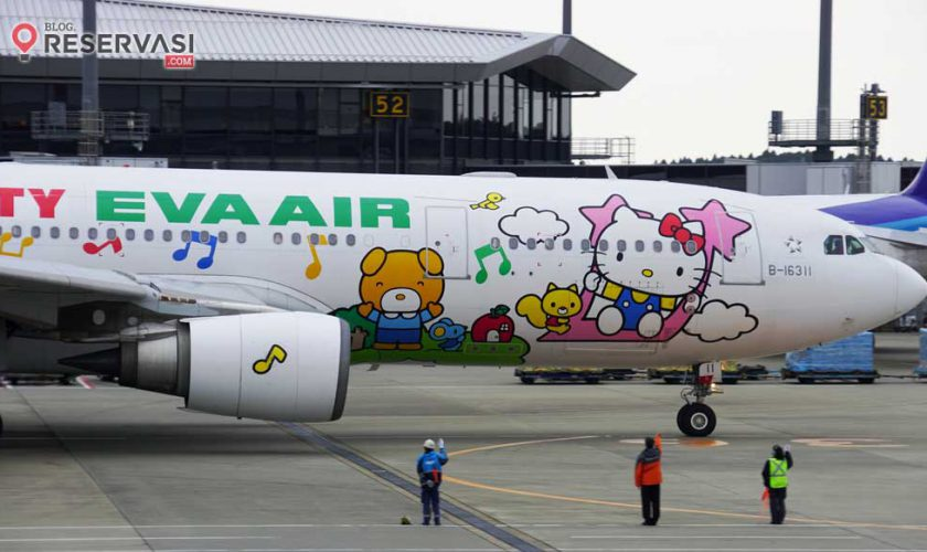pesawat-hello-kitty