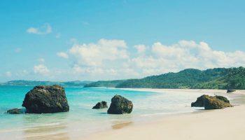 wisata-pantai-di-sumba