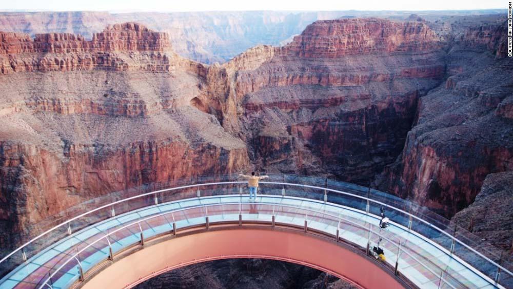 130902141940-platforms-grand-canyon-skywalk-horizontal-large-gallery