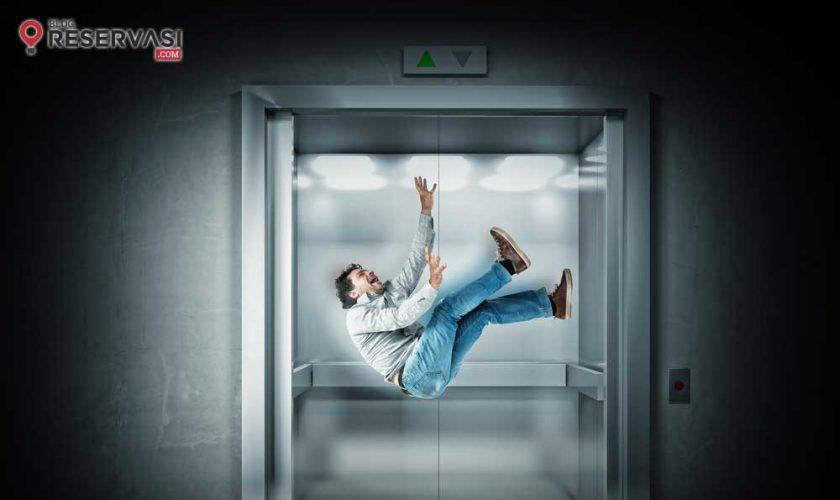 cara-menyelamatkan-diri-dari-lift-yang-terjatuh1