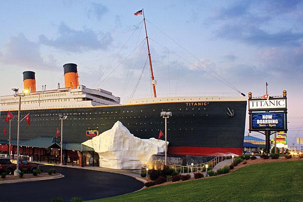 replika titanic di china