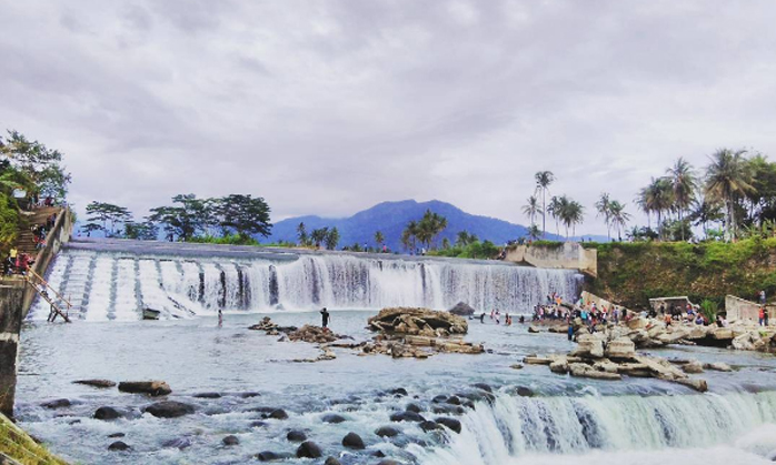 Bendungan Koto Pulai, Air Terjun Niagara Mini Padang yang Menakjubkan