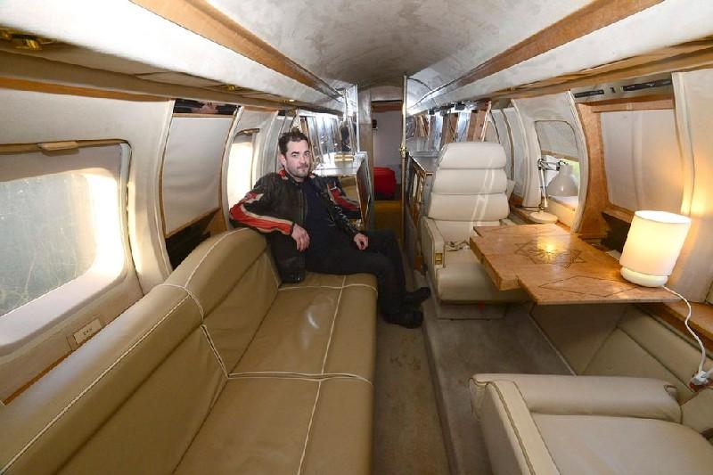 jet mewah menjadi tempat kemping
