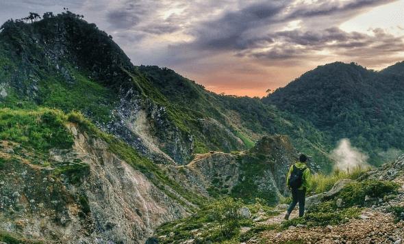 Gunung Ambang Sulawesi Utara