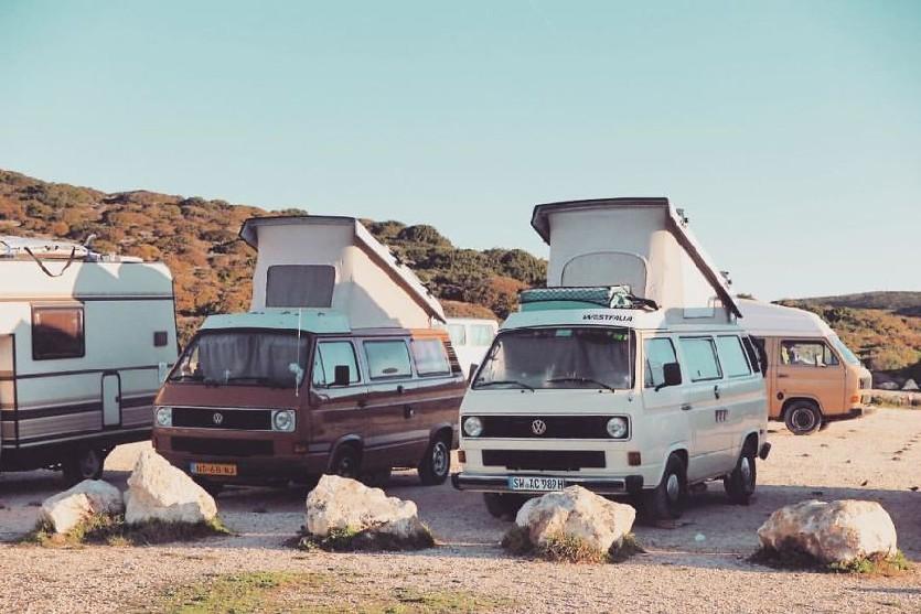 karavan (boredpanda.com)