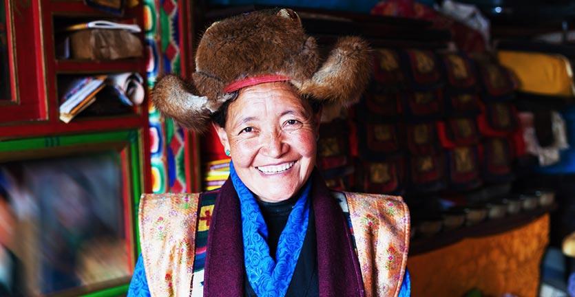 pakaian-tradisional-tibet
