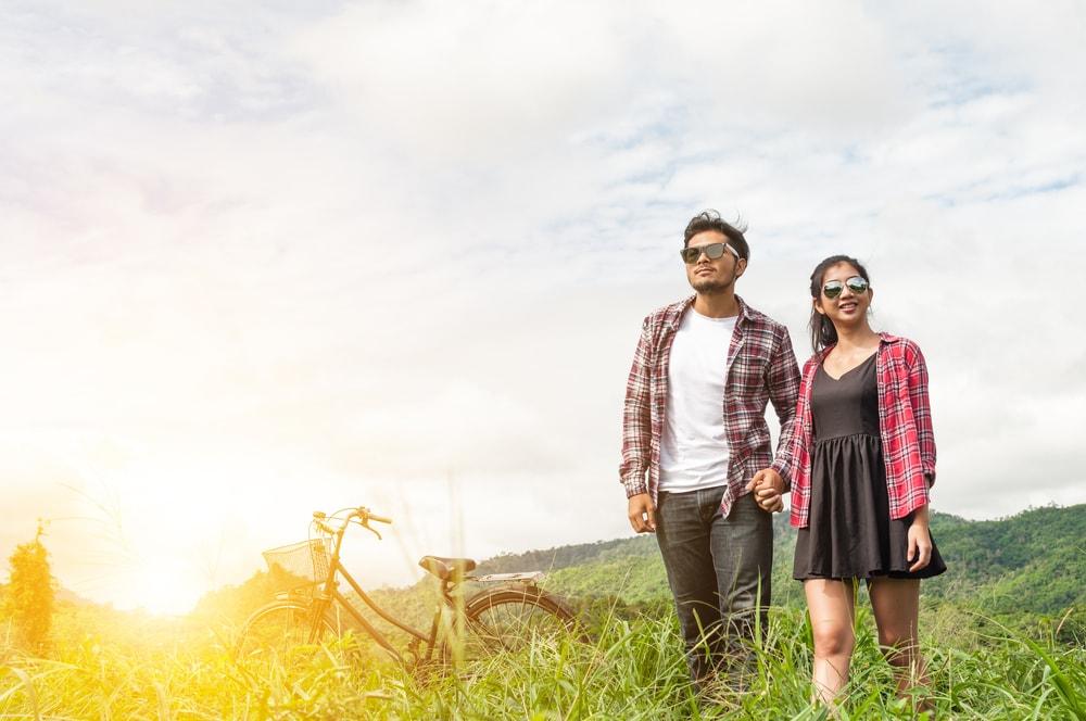 5 Pemandangan Romantis Gratis yang Cocok untuk Pasangan Baru