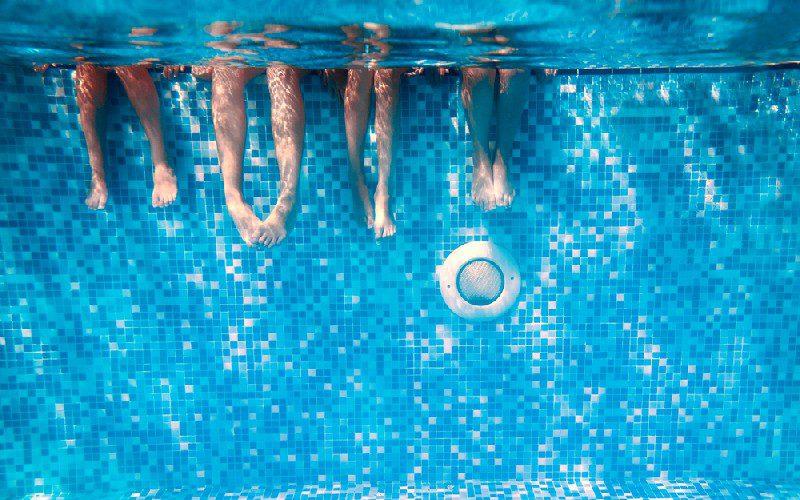 air urine dalam kolam1