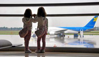 gadis-ditolak-masuk-pesawat