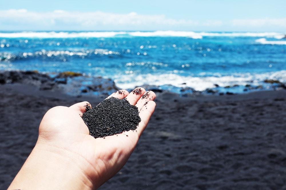 Pantai Samudera Baru, Pantai Pasir Hitam yang Eksotis dari Karawang