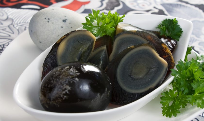 telur hitam