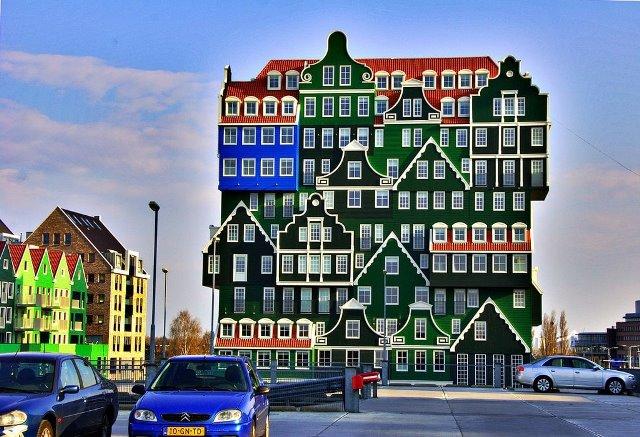 Gedung Hotel yang Unik