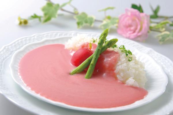 Kuliner Unik, Kari Sakura Berkuah Merah Muda Cantik di Penghujung Musim Semi