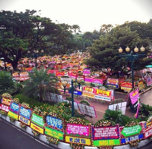 Belum Punya Acara untuk Long Weekend? Yuk ke Balai Kota Jakarta Wisata Karangan Bunga