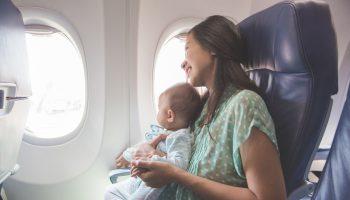 Tips Mudik dengan Bayi di Pesawat