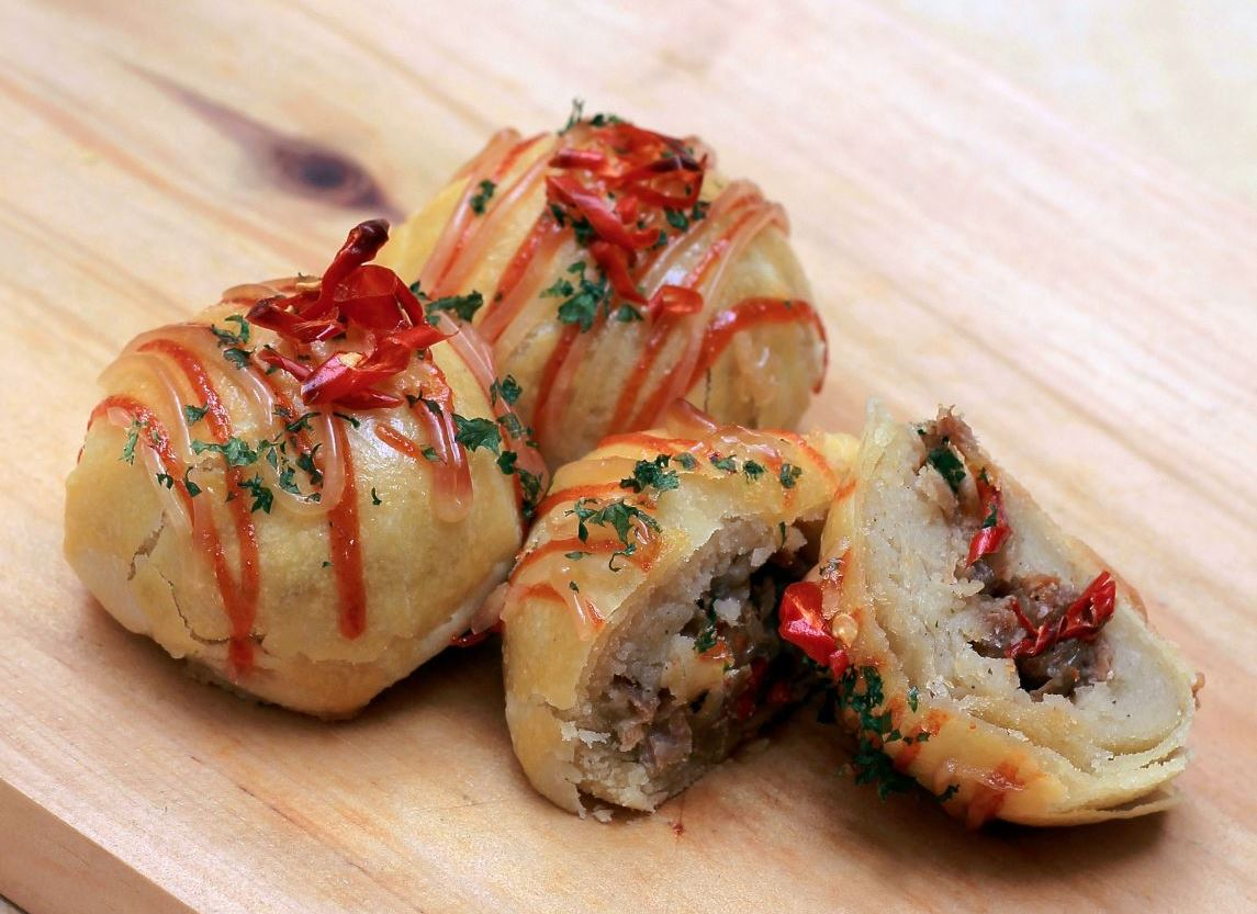Bakpia-Blasteran-Mashed-Potato-Tuna-Pedas