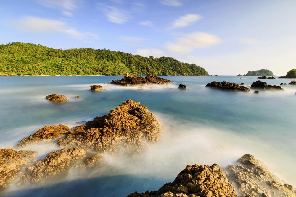 10 Tempat Wisata di Lampung dengan Pemandangan Alam Paling Eksotis