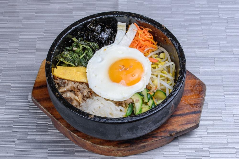 25 Makanan Enak di Korea Selatan yang Dijamin Bisa Bikin Kamu Ngiler