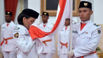 Presiden-Jokowi-Kukuhkan-Anggota-Paskibraka-2016-3
