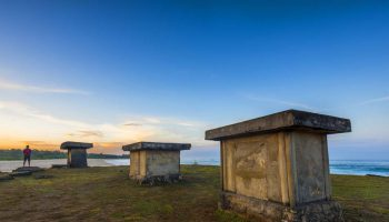 kuburan megalitik sumba