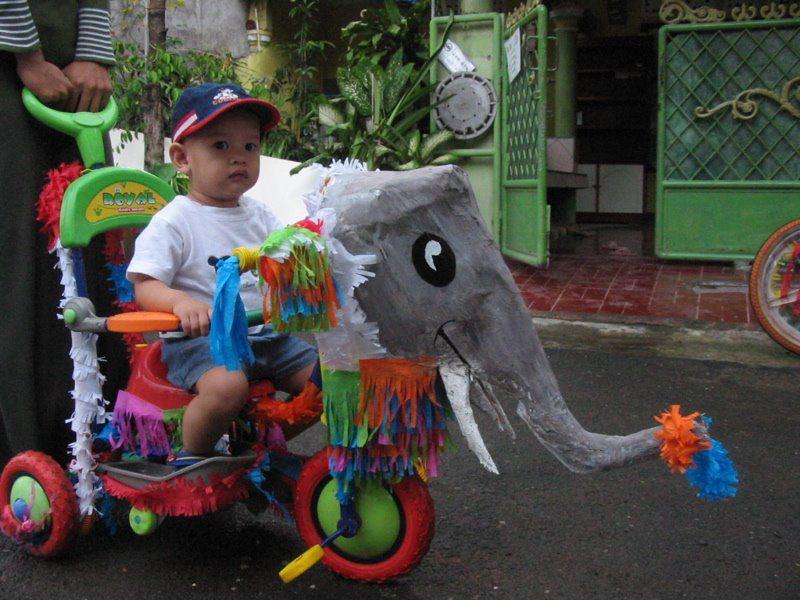 sepeda hias gajah